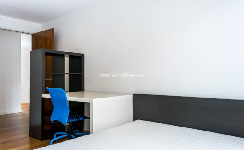 3 bedroom(s) flat to rent in Nile Street, Hoxton, N1-image 4