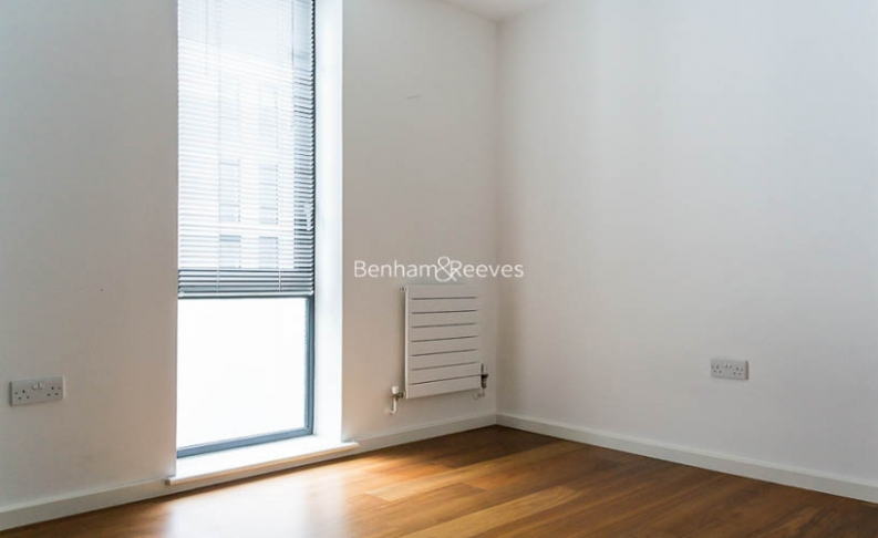 3 bedroom(s) flat to rent in Nile Street, Hoxton, N1-image 5