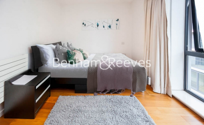 1 bedroom(s) flat to rent in Pegaso Building, Nile Street, Hoxton, N1-image 3
