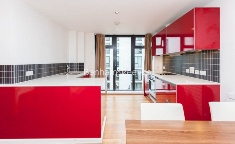 3 bedroom(s) flat to rent in Westland Place, Old Street, N1-image 3
