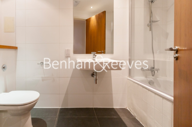 1 bedroom(s) flat to rent in Pegaso Building, Westland Place, Hoxton, N1-image 4