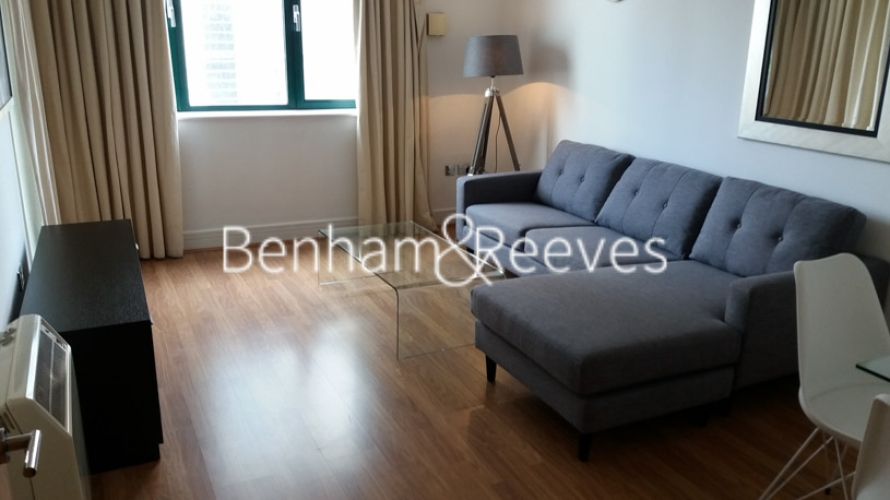 1 bedroom(s) flat to rent in Londinium Tower, Mansell Street, Tower Hill, E1-image 1