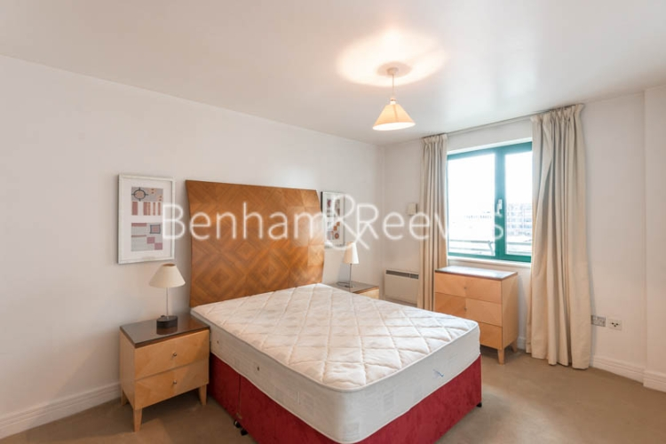 1 bedroom(s) flat to rent in Londinium Tower, Mansell Street, Tower Hill, E1-image 3