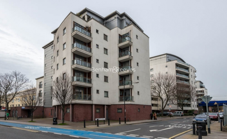 2 bedroom(s) flat to rent in Cable Street, Shadwell, E1W-image 6
