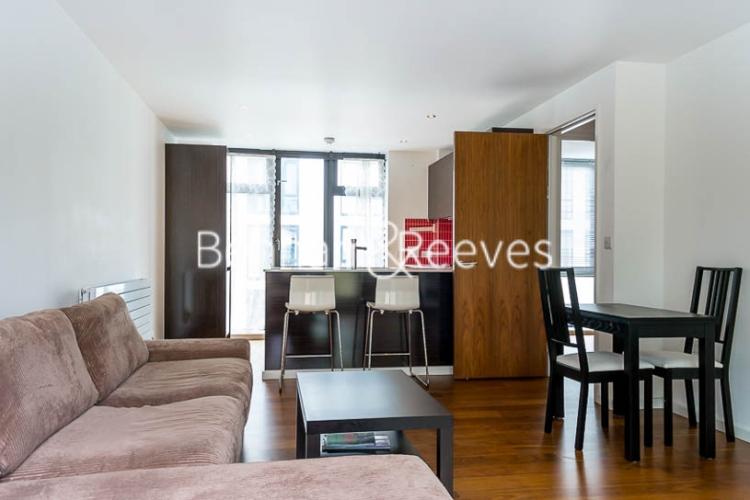 3 bedroom(s) flat to rent in Pegaso Building, Nile Street, Old Street, N1-image 1