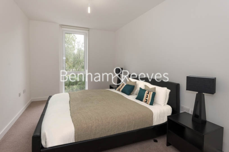 1 bedroom(s) flat to rent in Duckett Street, Stepney, E1-image 4
