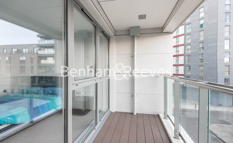 1 bedroom(s) flat to rent in Courtyard Apartments, Avantgarde, E1-image 5