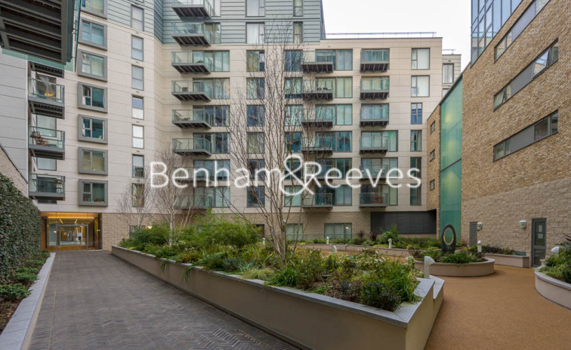 1 bedroom(s) flat to rent in Courtyard Apartments, Avantgarde, E1-image 6