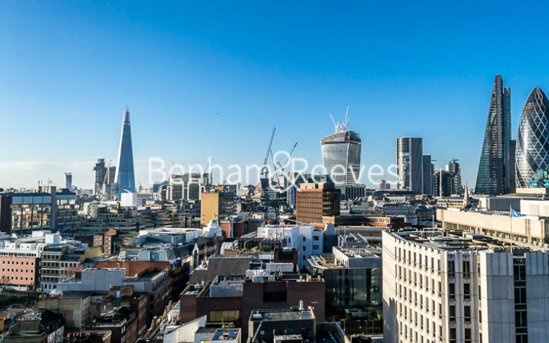 1 bedroom(s) flat to rent in Altitude Point, Aldgate East, E1-EPC