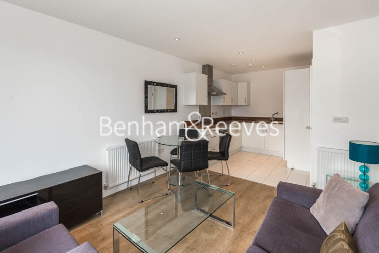 1 bedroom(s) flat to rent in Essian Street, Wapping, E1-image 2