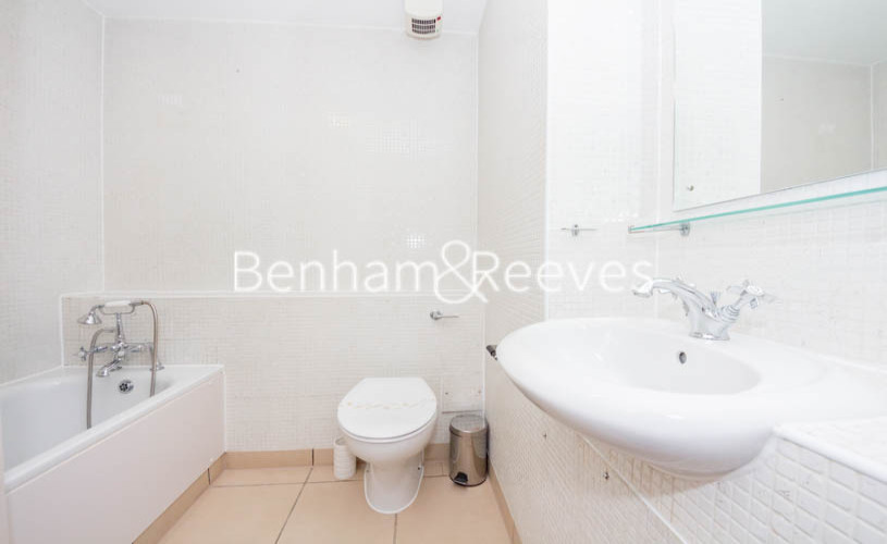 2 bedroom(s) flat to rent in Millennium Court, Waterloo, SE1-image 4