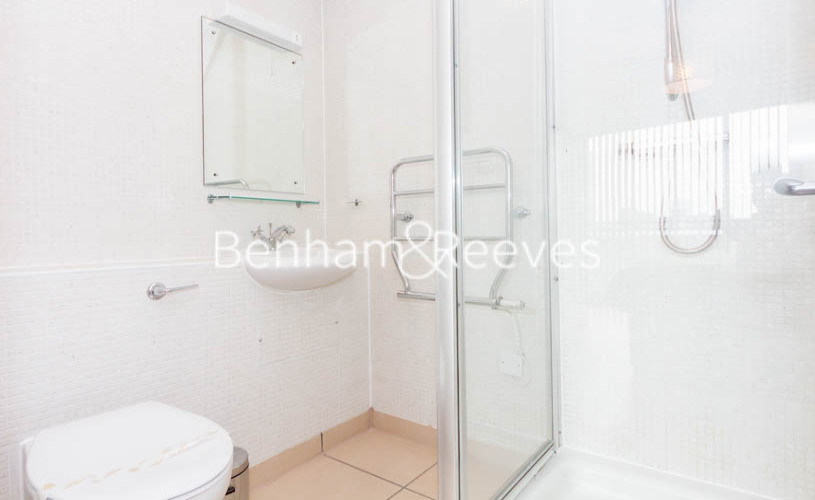 2 bedroom(s) flat to rent in Millennium Court, Waterloo, SE1-image 9