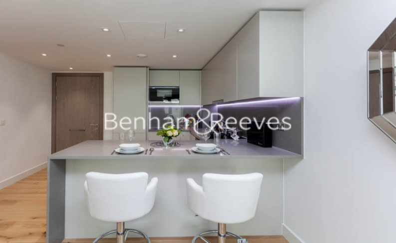 Studio flat to rent in Vaughan Way, Wapping, E1W-image 3