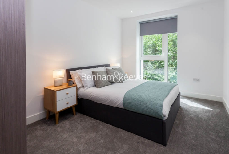 1 bedroom(s) flat to rent in Vaughan Way, Wapping, E1W-image 3