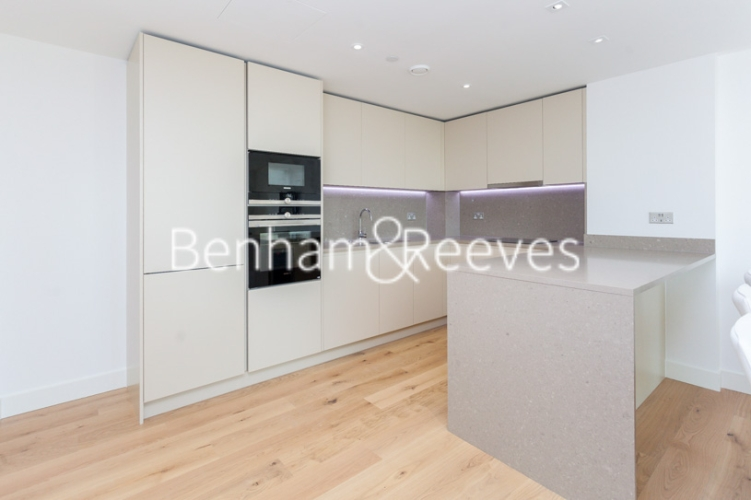 2 bedroom(s) flat to rent in Vaughan Way, Wapping, E1W-image 2