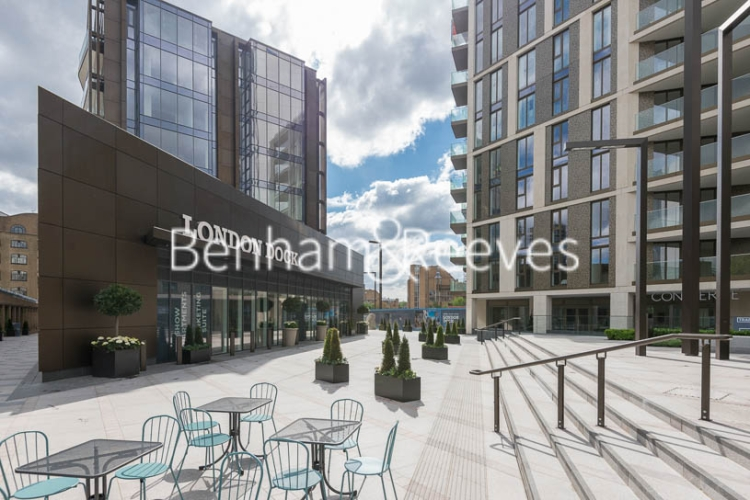 2 bedroom(s) flat to rent in Vaughan Way, Wapping, E1W-image 11