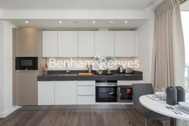 1 bedroom(s) flat to rent in Chaucer Garden, Aldgate East, E1-image 2