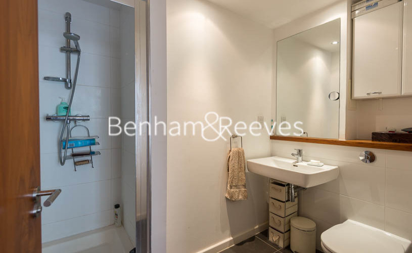 3 bedroom(s) flat to rent in Westland Place, Old Street, N1-image 4