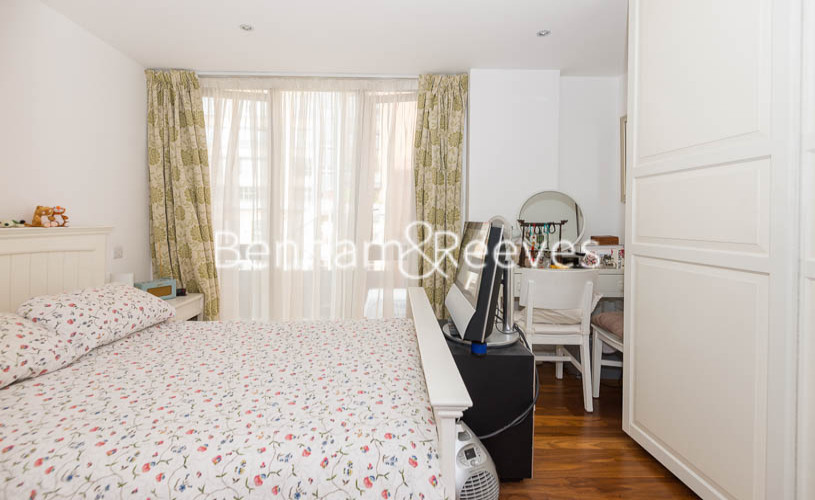 3 bedroom(s) flat to rent in Westland Place, Old Street, N1-image 8