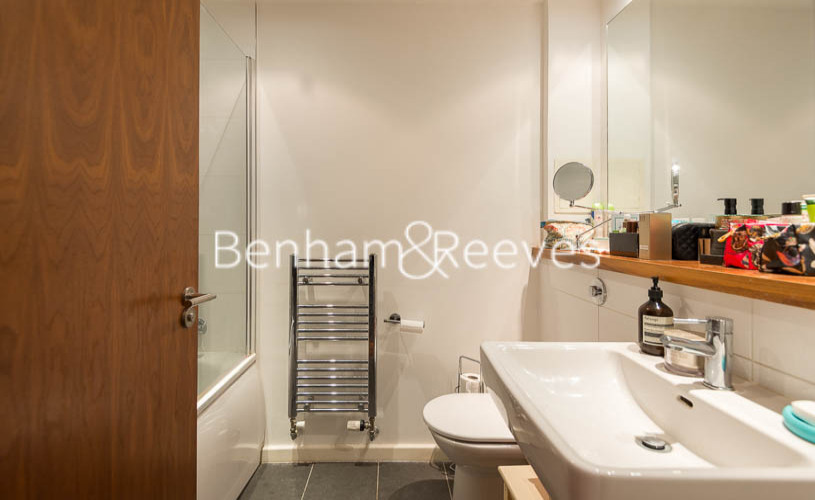 3 bedroom(s) flat to rent in Westland Place, Old Street, N1-image 14