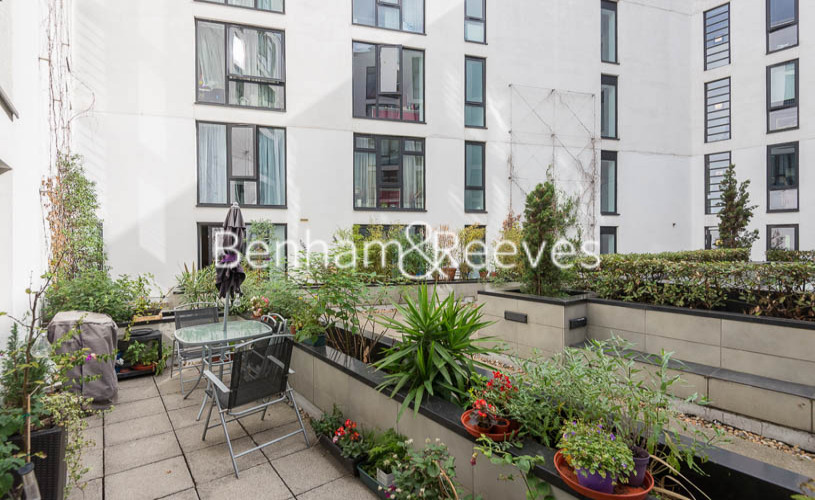 3 bedroom(s) flat to rent in Westland Place, Old Street, N1-image 15