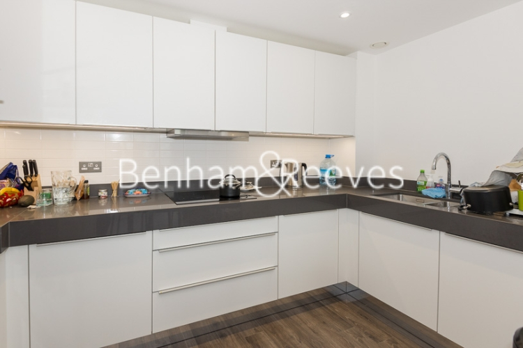 3 bedroom(s) flat to rent in Alie Street, Aldgate East, E1-image 2