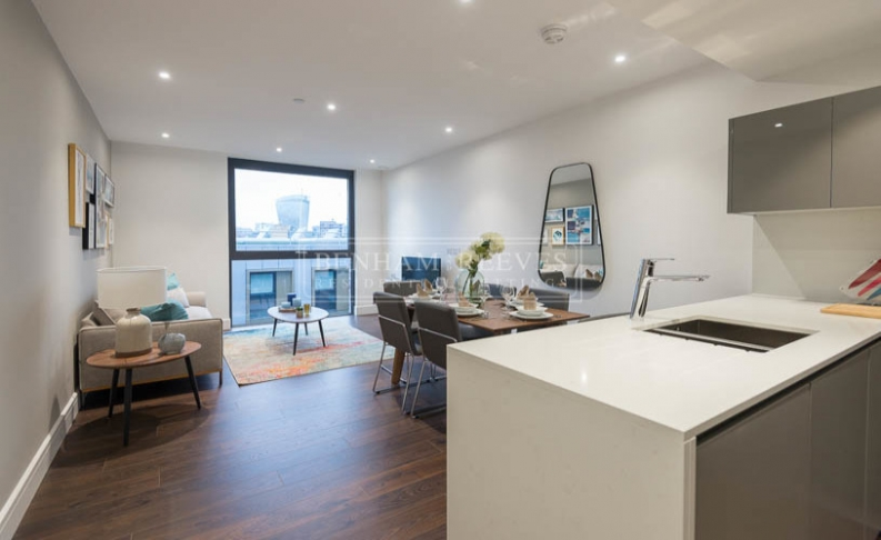 2 bedroom(s) flat to rent in Goodmans Fields, Aldgate, E1-image 3