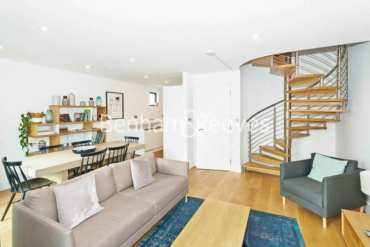 3 bedroom(s) flat to rent in Commercial Road, Aldgate, E1-image 1