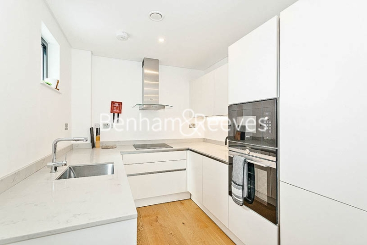 3 bedroom(s) flat to rent in Commercial Road, Aldgate, E1-image 2