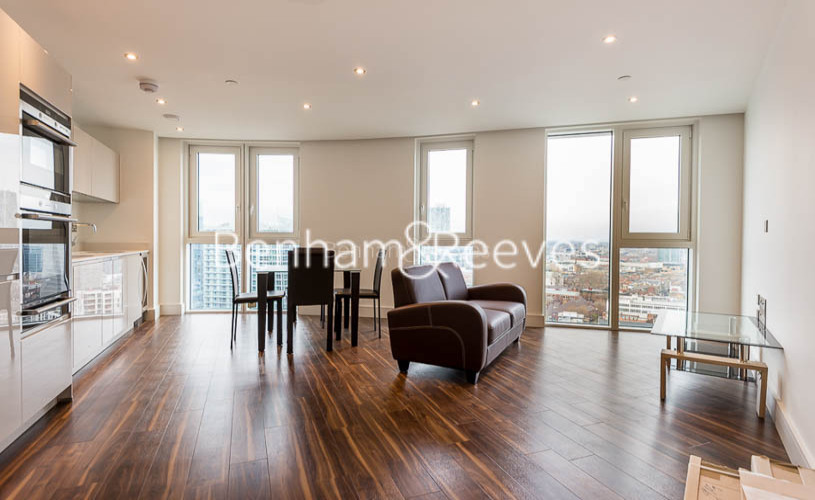 1 bedroom(s) flat to rent in Altitude Point, Alie Street, Aldgate East, E1-image 1