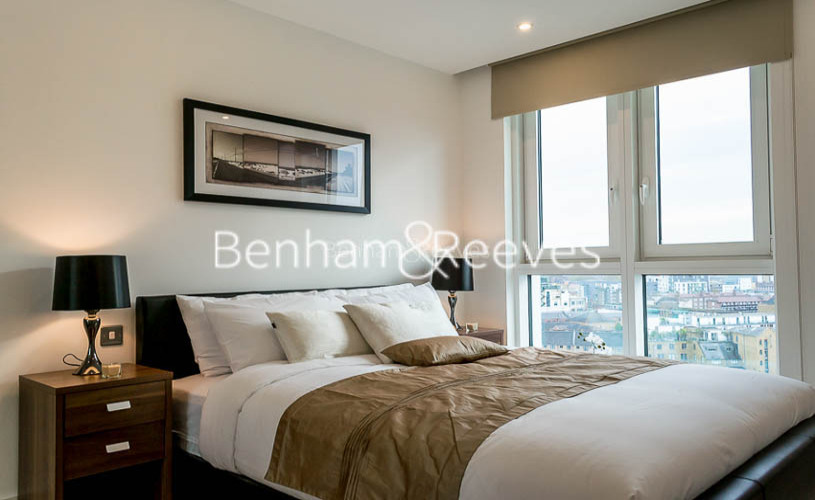 1 bedroom(s) flat to rent in Altitude Point, Alie Street, Aldgate East, E1-image 2