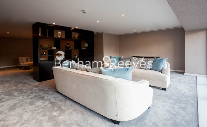 Studio flat to rent in Lavender Place, Royal Mint Gardens, E1-image 9