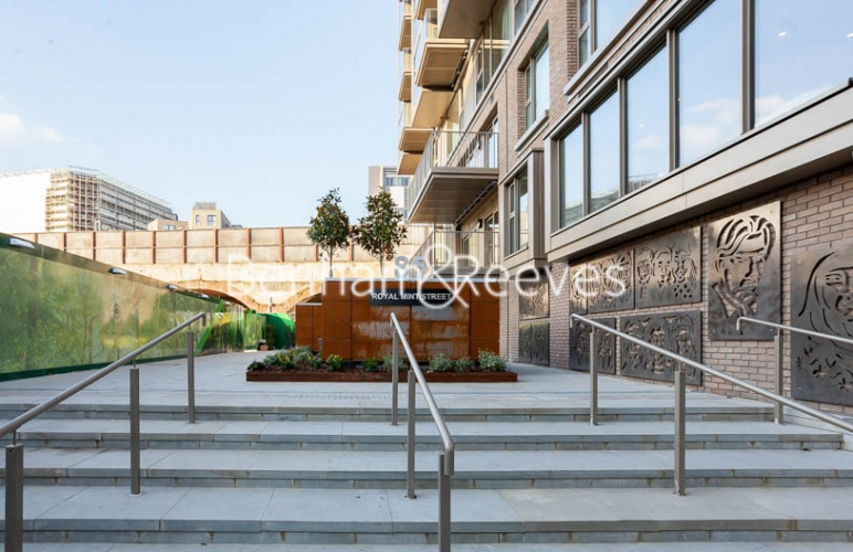1 bedroom(s) flat to rent in Rosemary Building, Royal Mint Gardens, E1-image 15