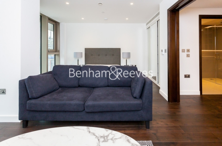 Studio flat to rent in Rosemary Building, Royal Mint Gardens, E1-image 1