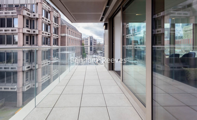 2 bedroom(s) flat to rent in Rosemary Place, Royal Mint Gardens, E1-image 5