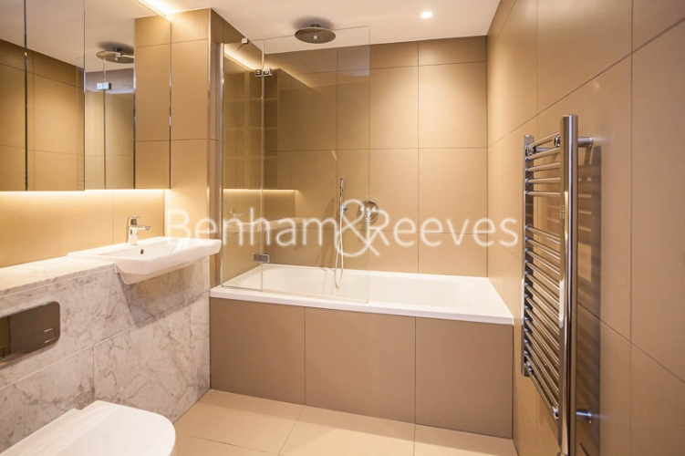 1 bedroom(s) flat to rent in Rosemary Building, Royal Mint Gardens, E1-image 5