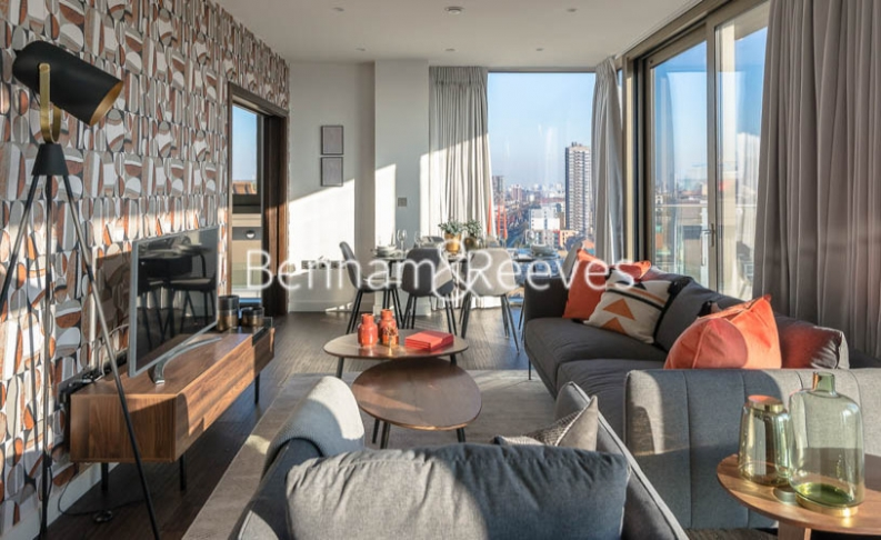 3 bedroom(s) flat to rent in Rosemary Building, Royal Mint Gardens, E1-image 1