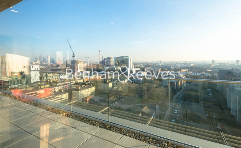 3 bedroom(s) flat to rent in Rosemary Building, Royal Mint Gardens, E1-image 8