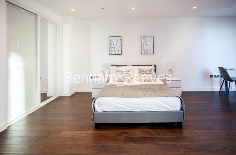Studio flat to rent in Rosemary Building, Royal Mint Gardens, E1-image 7