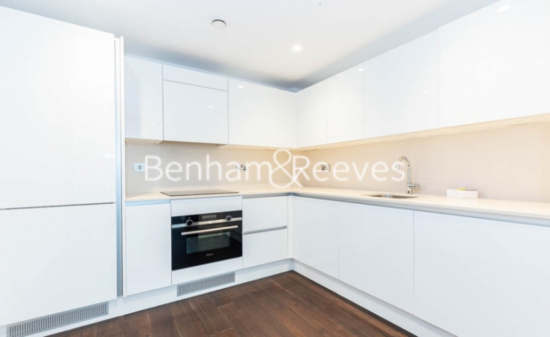 1 bedroom(s) flat to rent in Rosemary Place, Royal Mint, E1-image 2