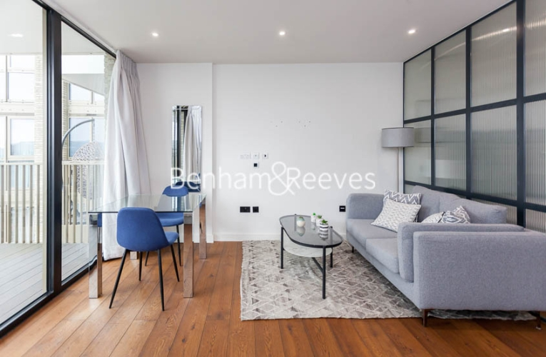 1 bedroom(s) flat to rent in Emery Wharf, Wapping, E1W-image 1