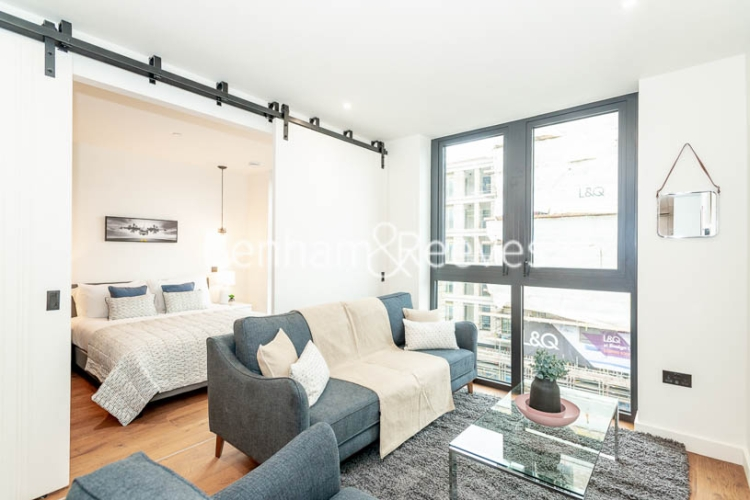1 bedroom(s) flat to rent in Emery Way, Wapping, E1W-image 1