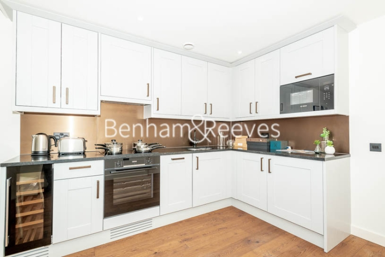 1 bedroom(s) flat to rent in Emery Way, Wapping, E1W-image 2