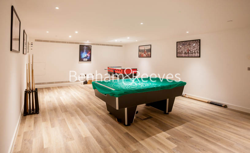 1 bedroom(s) flat to rent in Rosemary Place, Royal Mint Gardens, E1-image 12
