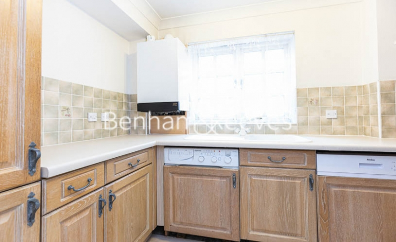 1 bedroom(s) flat to rent in Garnet Street, Wapping, E1W-image 2