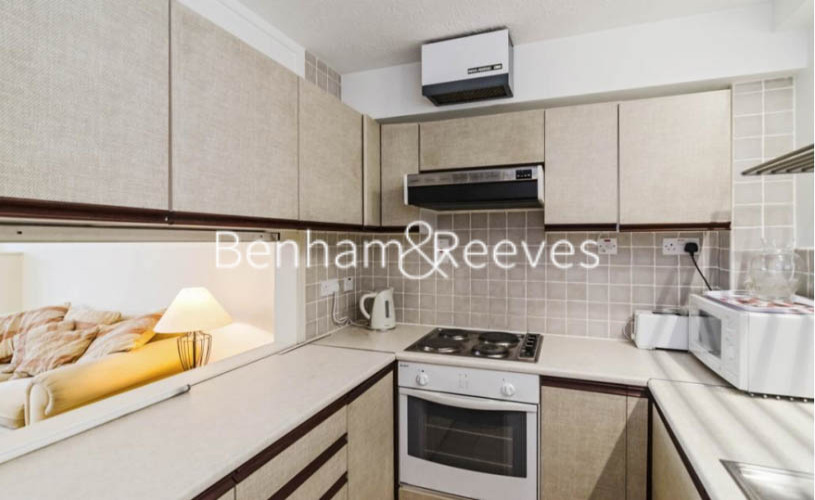 1 bedroom(s) flat to rent in Marlyn Lodge, Portsoken Street, E1-image 2