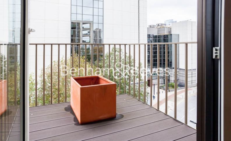 2 bedroom(s) flat to rent in Admiralty House, London Dock, Vaughan Way, E1W-image 11
