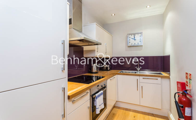 1 bedroom(s) flat to rent in The Wexner Building, Middlesex Street, Spitalfields, E1-image 2