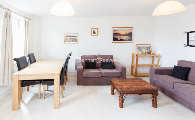2 bedroom(s) flat to rent in Buckfast Street, Bethnal Green, E2-image 1