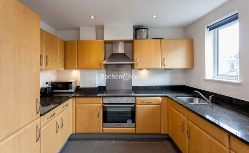 2 bedroom(s) flat to rent in Buckfast Street, Bethnal Green, E2-image 3